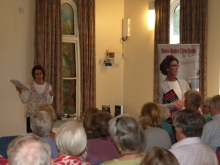 Pauline Rowson talking about her crime novels to Test Villages U3A