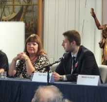 Roger Wood, Hampshire Police answering a question at CSI Portsmouth 2014 with crime author Jessie Keane