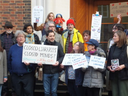 Protest against cuts to Hampshire Libraries