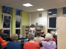 Pauline Rowson at Pontarddulais Library, South Wales