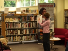 Pauline Rowson at Bognor Regis Library talking about her crime novels